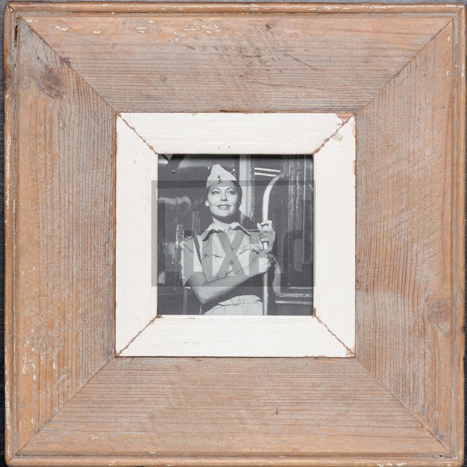 Quadratischer Vintage-Bilderrahmen für kleine quadratische Fotos