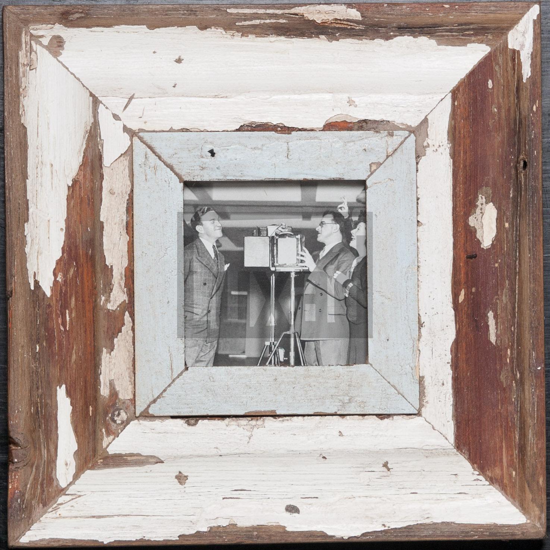 Quadratischer Vintage-Fotorahmen aus recyceltem Holz für ca. 10,5 x 10,5 cm