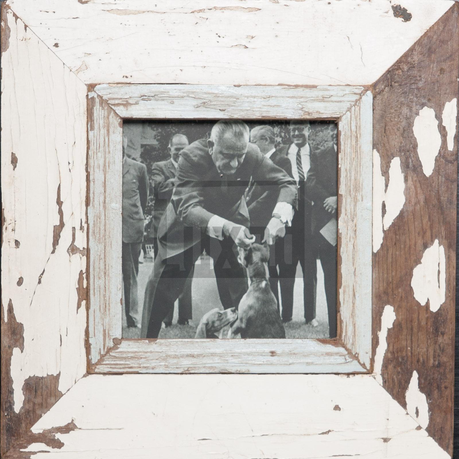 Quadratischer Bilderrahmen für ca. 14,8 x 14,8 cm große Fotos