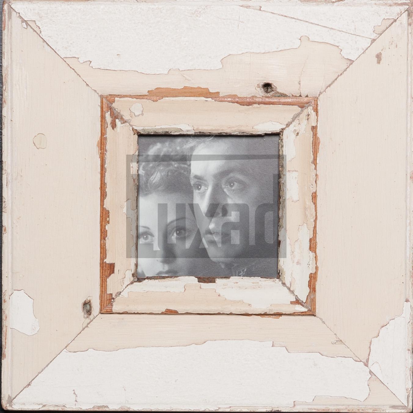 Quadratischer Altholz-Fotorahmen von Luna Designs