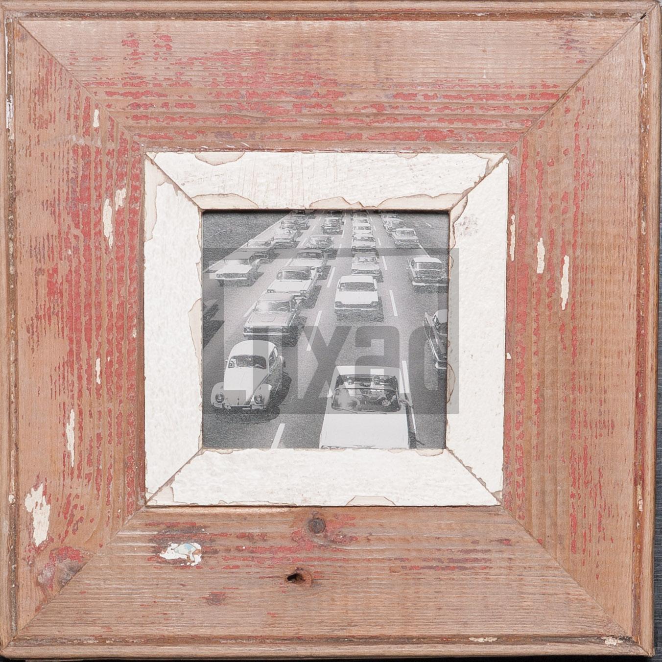 Quadratischer Holzrahmen für kleine quadratische Fotos