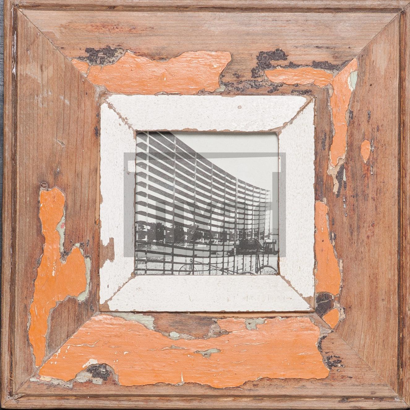 Quadratischer Wechselrahmen aus Recyclingholz für ca. 10,5 x 10,5 cm