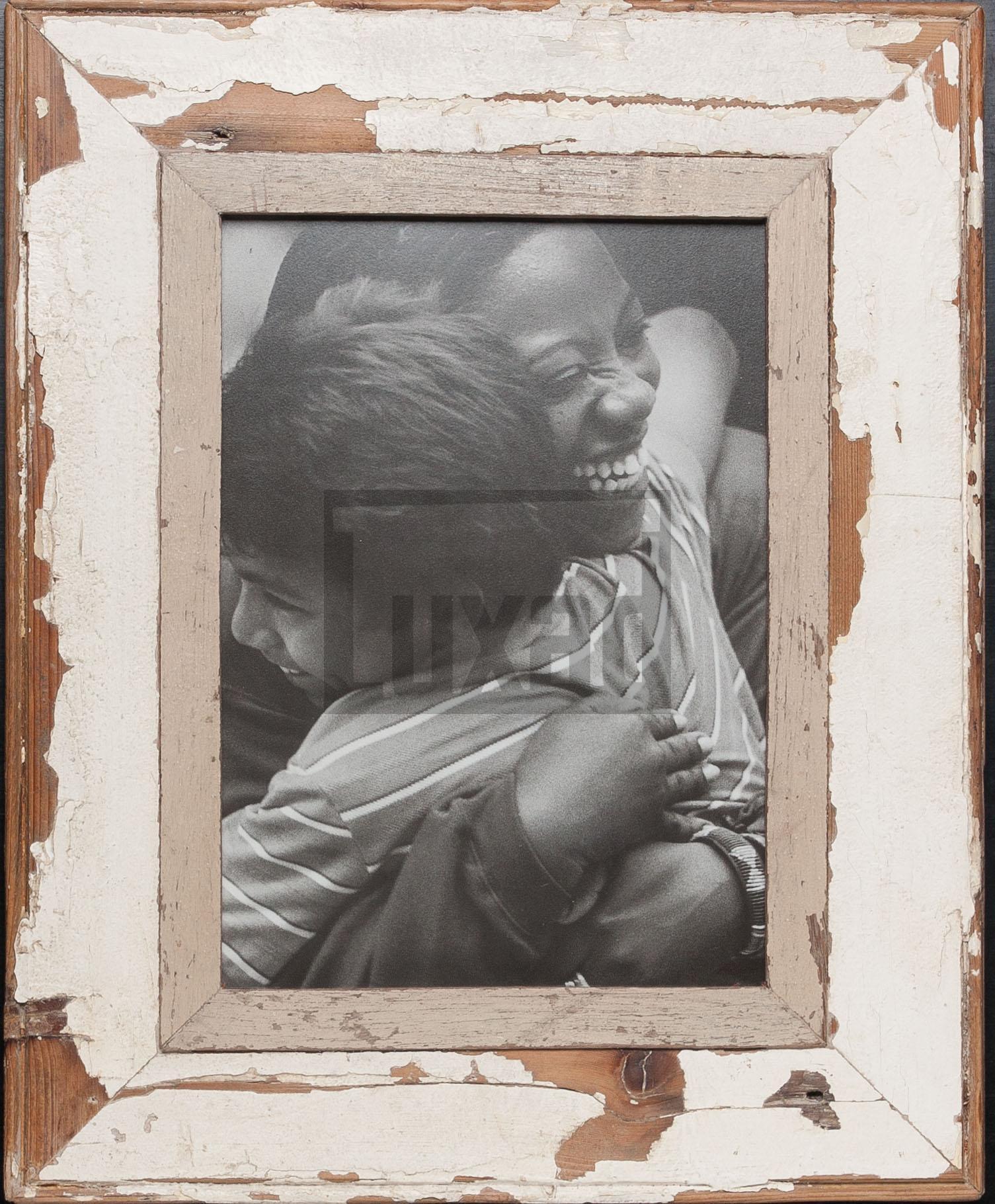 Vintage-Bilderrahmen aus altem Holz