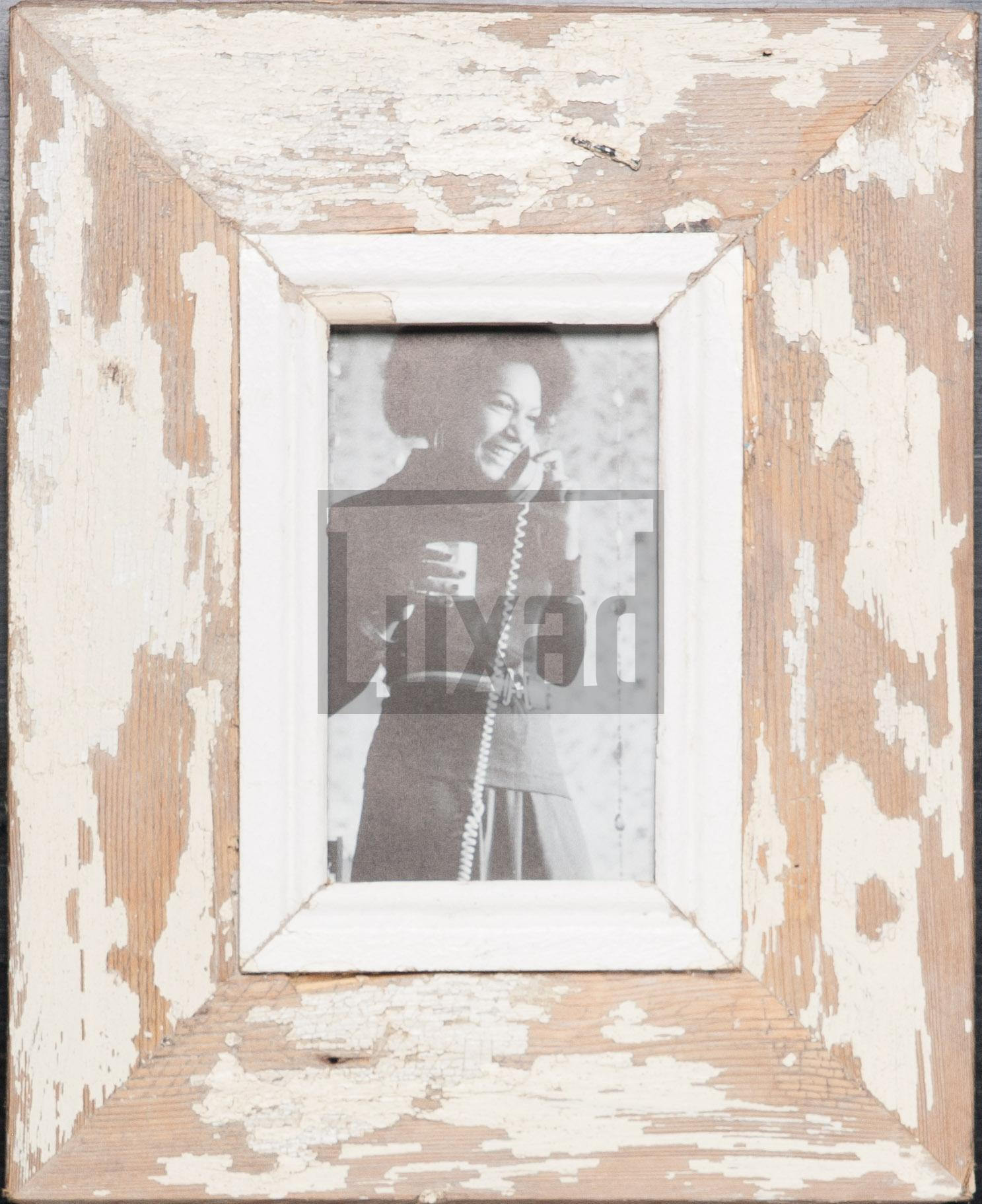 Bilderrahmen aus recyceltem Holz für kleine Fotos