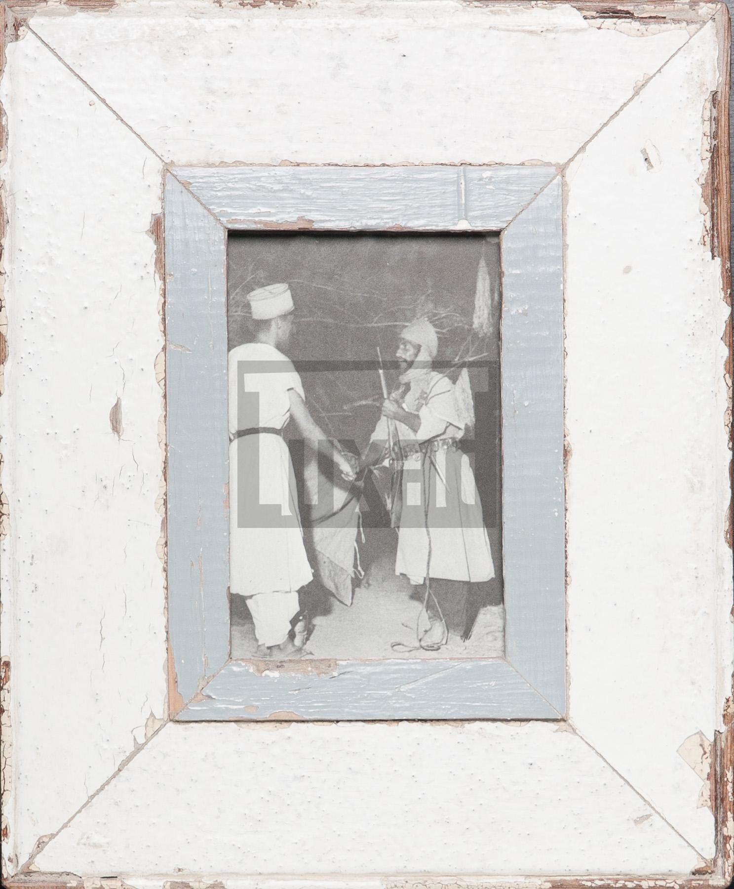 Vintage-Bilderrahmen aus altem Holz für Postkarten