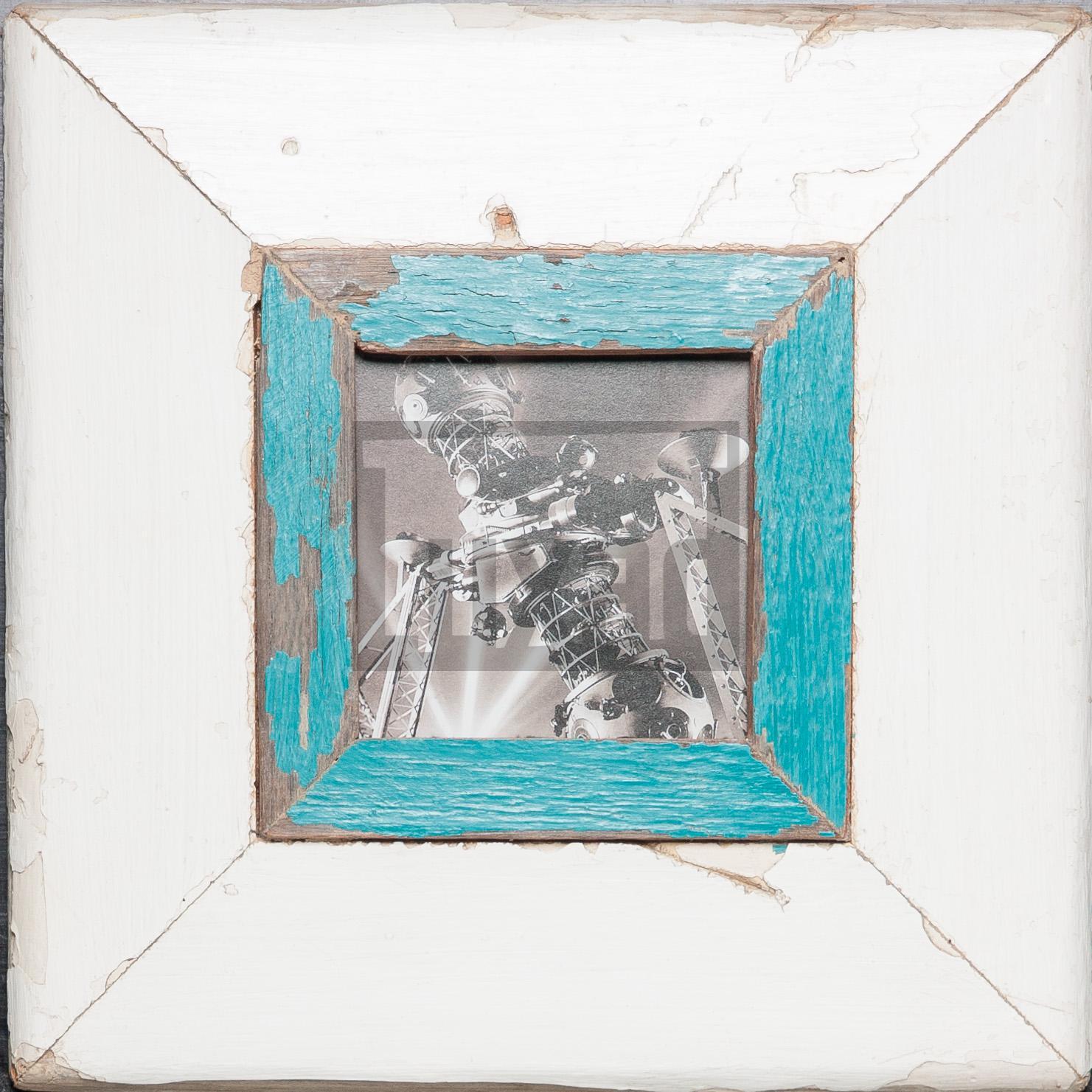 Quadratischer Bilderrahmen aus alten Holzleisten für dein Lieblingsfoto