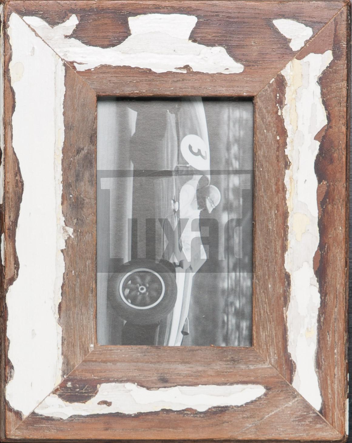 Bilderrahmen aus Recyclingholz von Luna Designs